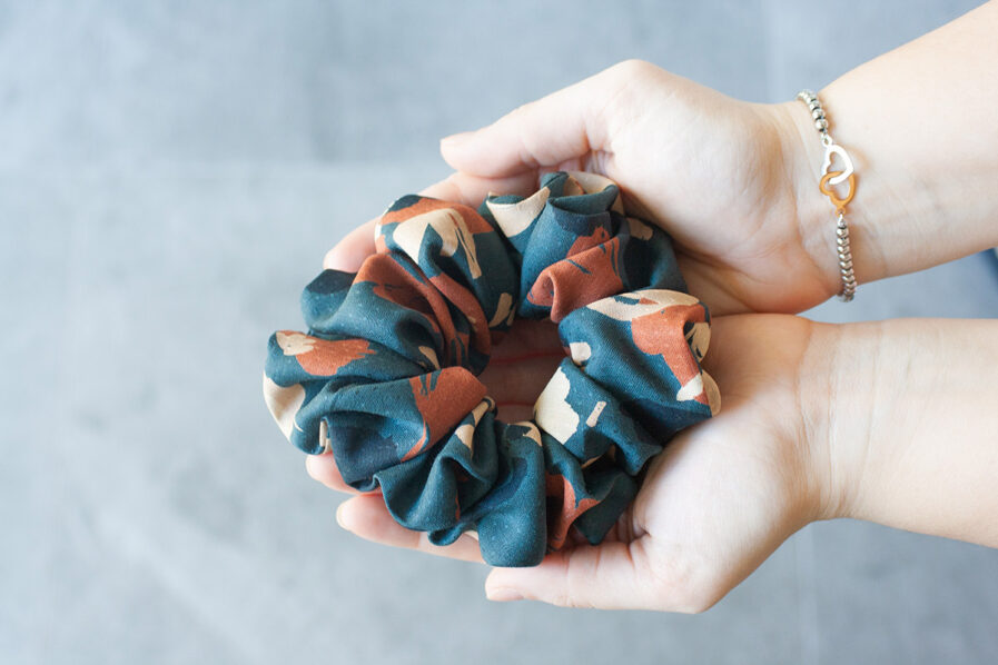 scrunchie_bloom_petrolio_balmje